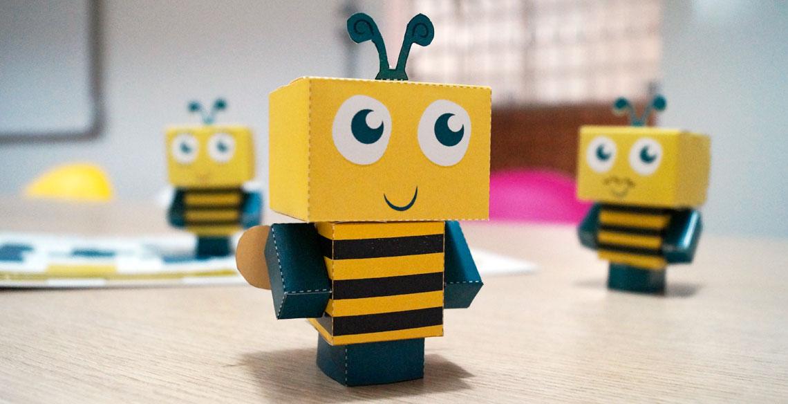 Paper Toy da Abelhinha Bebel: Imprima e monte o seu!