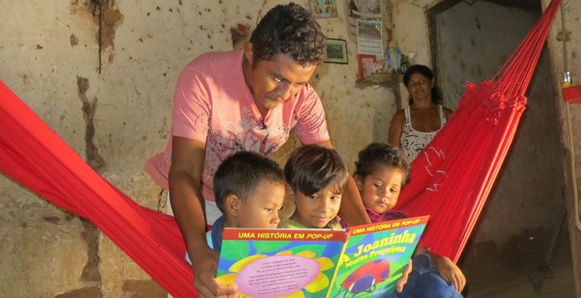 Rallyteca: 10.000 livros distribuídos em rally para comunidades do sertão onde a estrada não chega