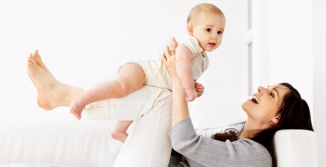 Confira 20 brincadeiras para bebês