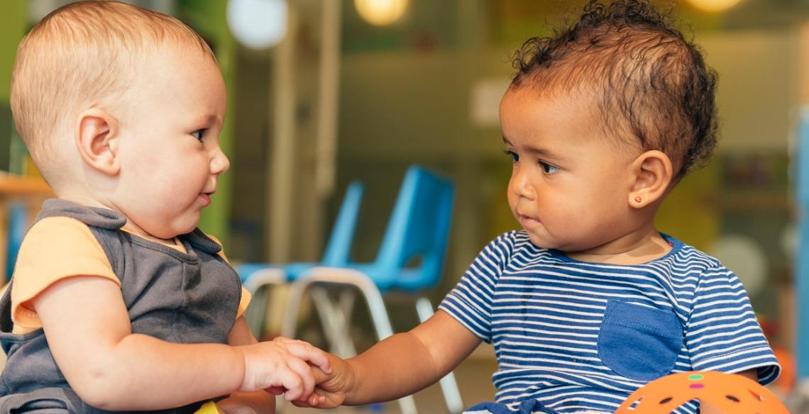 Empatia na infância: Você está criando uma criança que se preocupa com os outros?