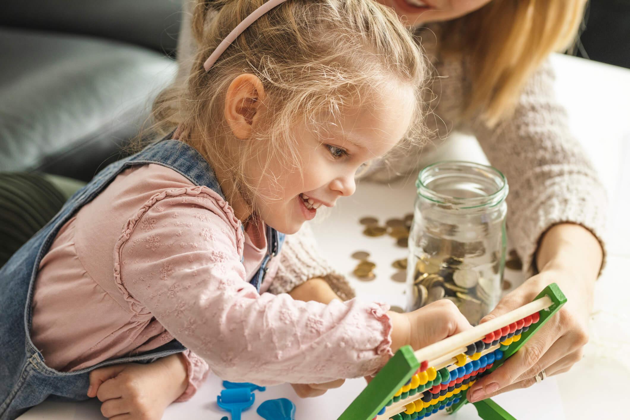 """E se ao invés de """"depois a gente compra"""", ensinássemos educação financeira para nossos filhos?"""
