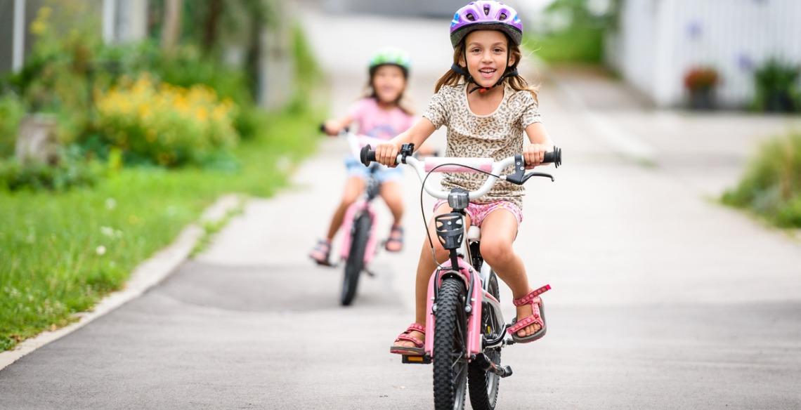 Vá de bike! 10 benefícios que andar de bicicleta traz aos pequenos