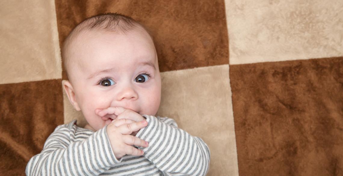Dedinhos, chupetas e a oralidade dos bebês e crianças pequenas