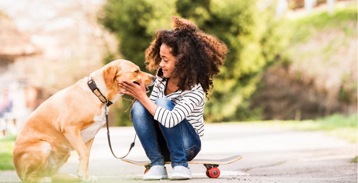 Os benefícios dos animais de estimação para os pequenos