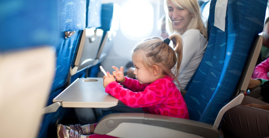 8 dicas para viajar de avião com as crianças