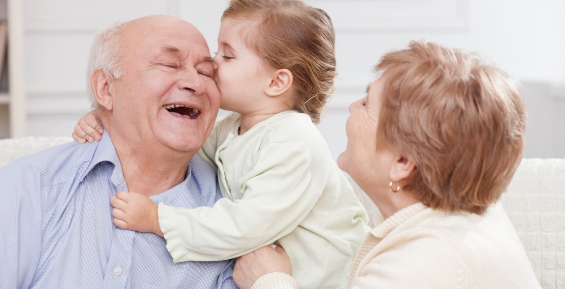 Avós que cuidam dos netos vivem mais