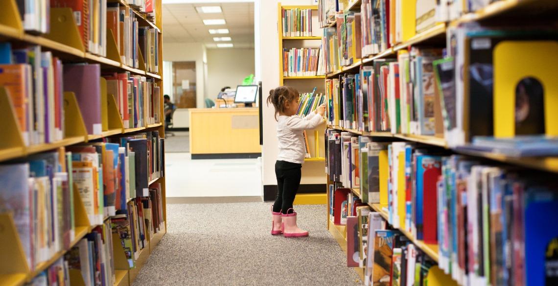 Por que levar seu pequeno à biblioteca?