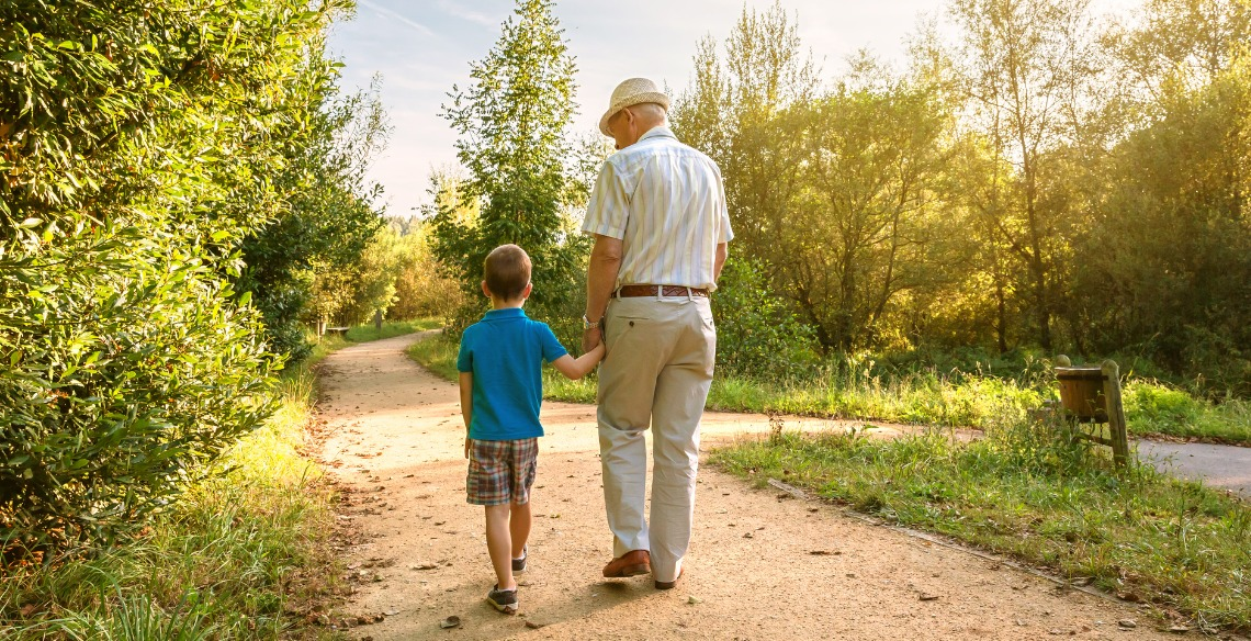 Você ensina seu pequeno a respeitar os mais velhos?