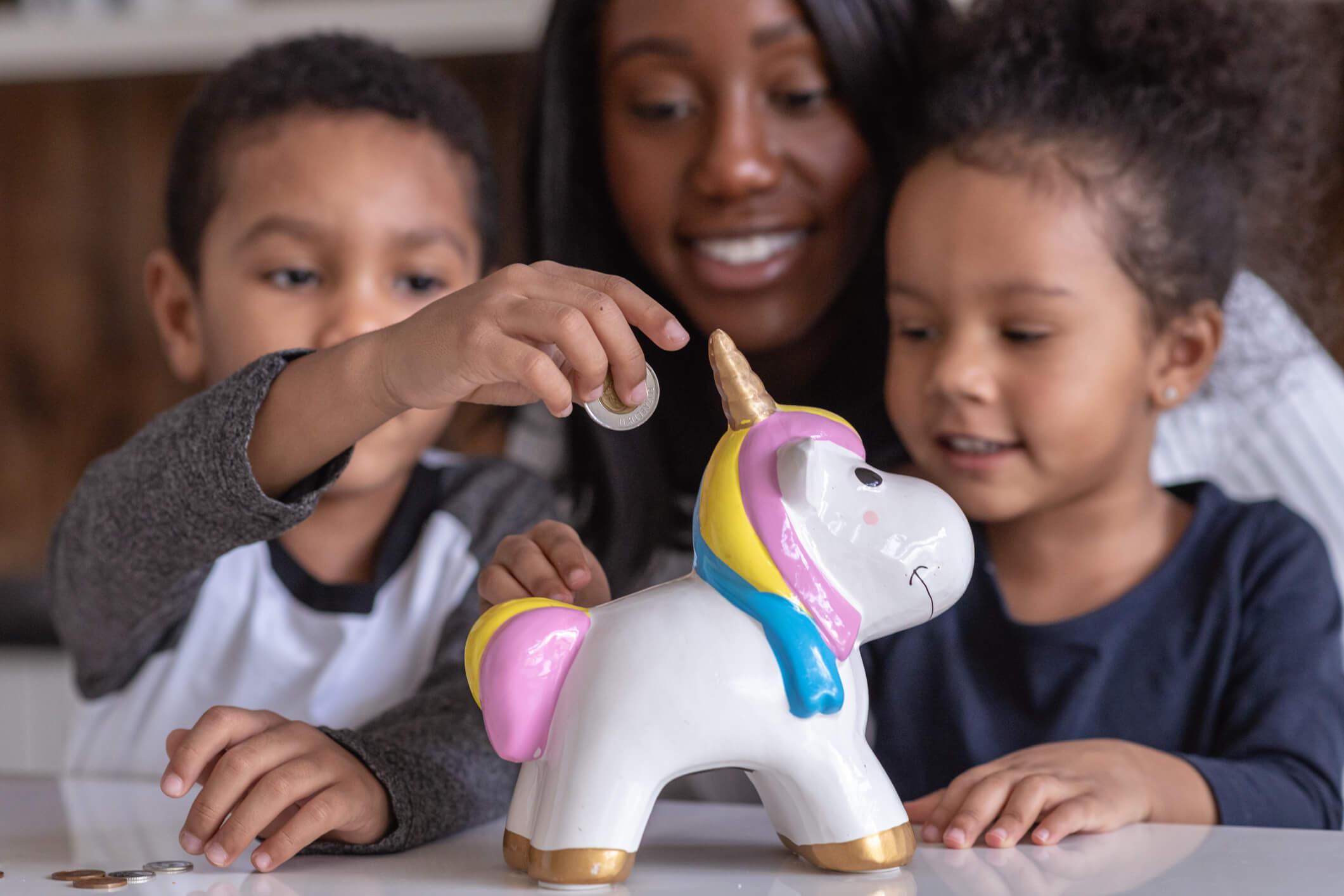 8 dicas de como falar de educação financeira com as crianças