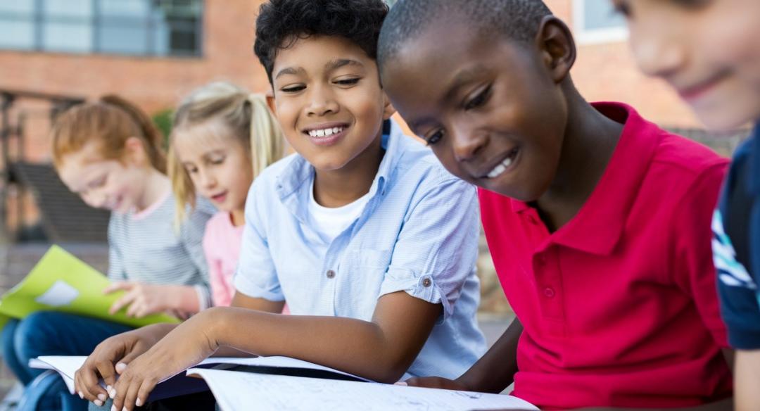 Por que a leitura para pré-adolescentes precisa desafiá-los?