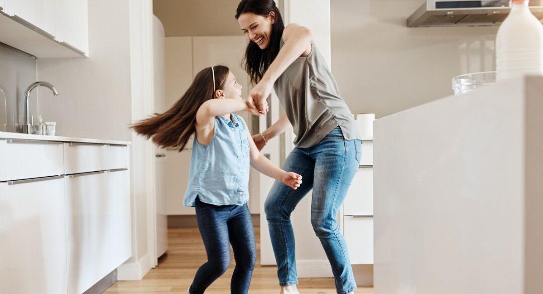 Mova-se: exercícios em casa para crianças