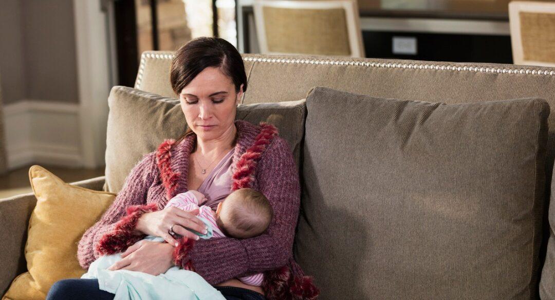 Precisamos falar sobre solidão materna no pós-parto