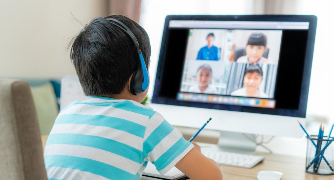 Como manter a rotina escolar em casa?