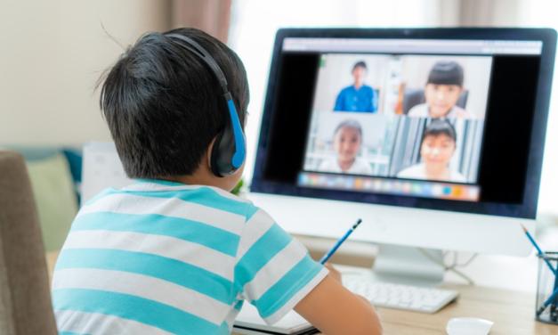 Como os pais podem ajudar os filhos a manter a rotina escolar em casa
