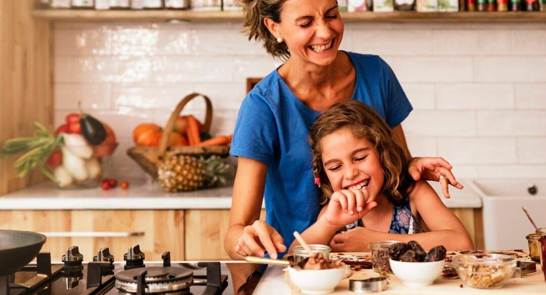 4 receitas de doces com chocolate para fazer com as crianças