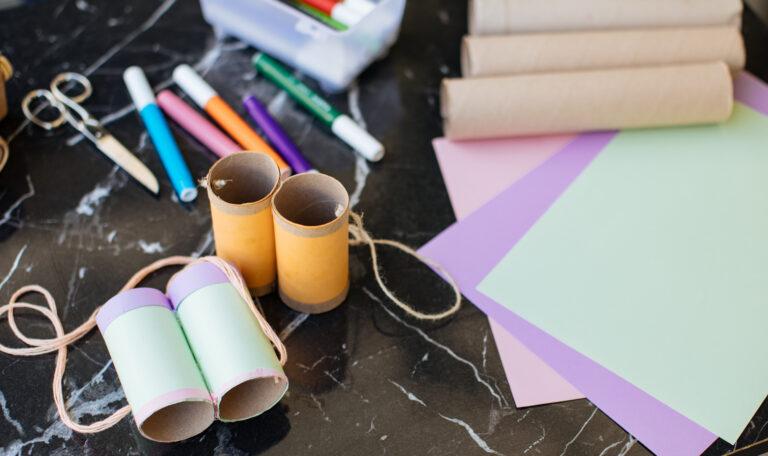 5 brincadeiras para estimular a criatividade das crianças: lanterna mágica