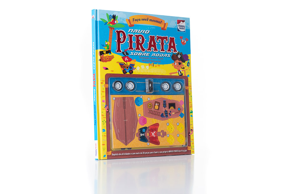 navio-pirata-sobre-rodas-1