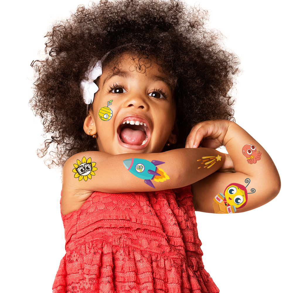 tatuagem-fantasia-modelo-para-pele-negra-original-leiturinha